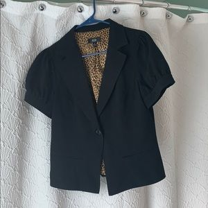 Short sleeve black blazer